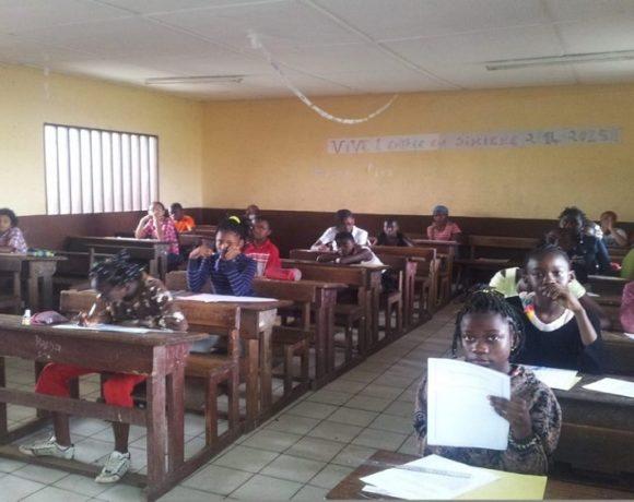 Les élèves en salle pour le CEP