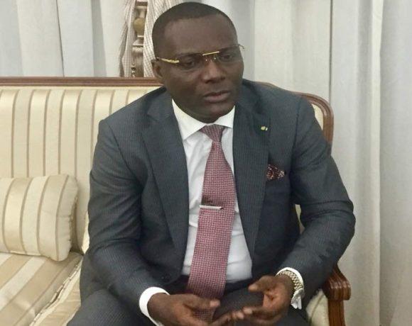 Ali Akbar Onanga Y'Obegué parle des salaires