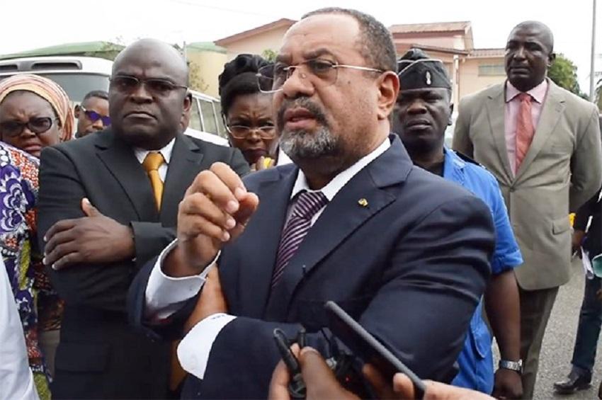 Guy Bertrand Mapangou à la Poste SA (photo gabonreview)