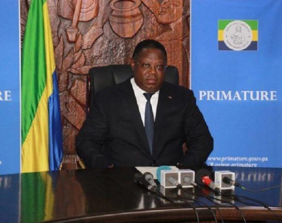 Le Premier ministre Emmanuel Issoze Ngondet