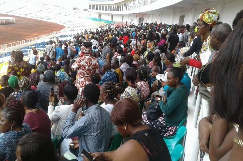 Les fonctionnaires au stade d'Angondje
