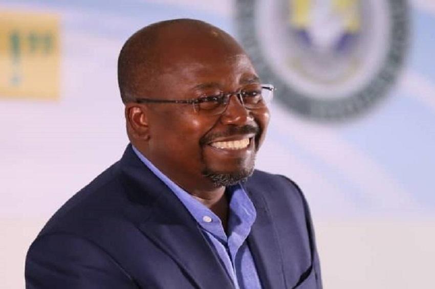 Alain-Claude Bilie By Nze, ministre des sports
