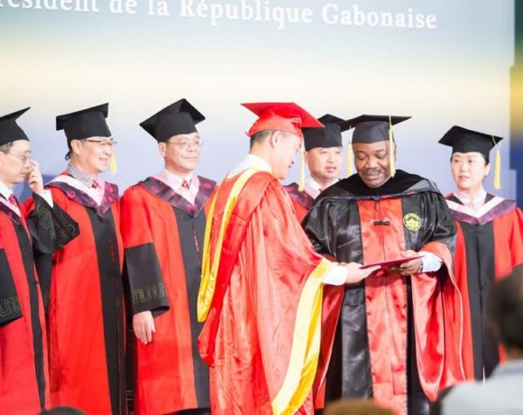Le président Ali Bongo Ondimba reçoit un doctorat honoris causa
