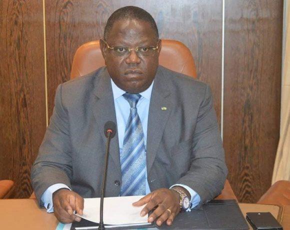 Emmanuel Issoze Ngondet à propos d'Ali Bongo
