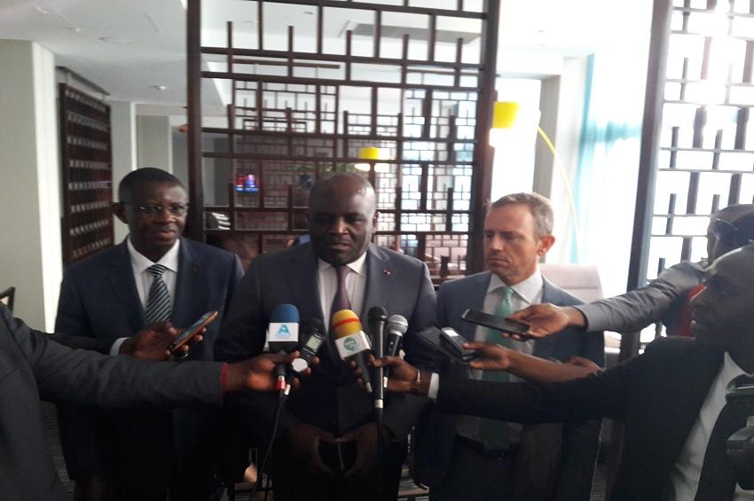 Régis Immongault et les diplomates à Libreville