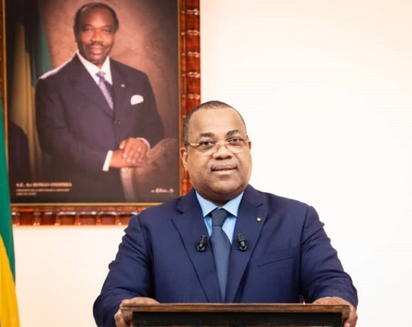 Julien Nkoghe Bekale, Premier ministre, chef du gouvernement