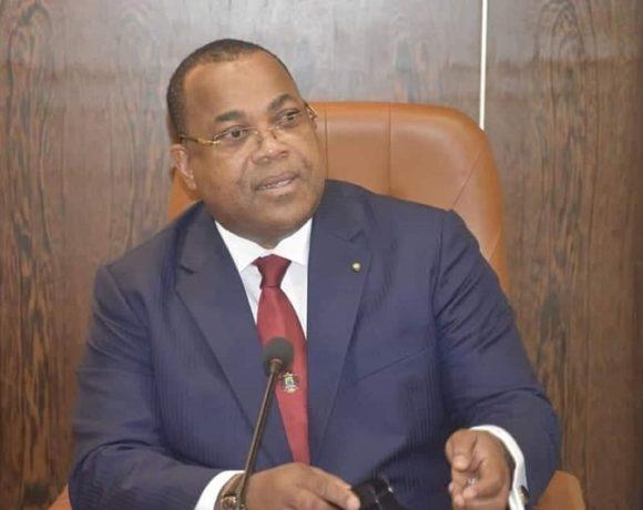 Julien Nkoghe Bekale préside le Conseil interministériel