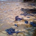 Des galettes de gazoil sur les plages