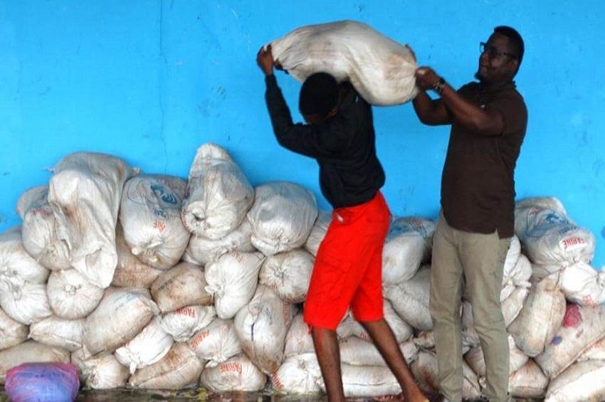 Les sacs de manioc de la Sotrader