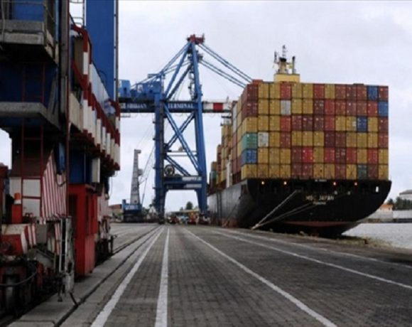 Au port d'Owendo