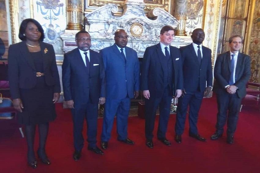 Au colloque sur les opportunités d'affaires en France