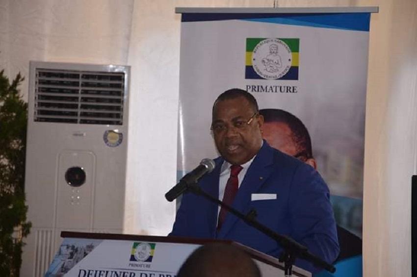 Julien Nkoghe Bekale face à la presse