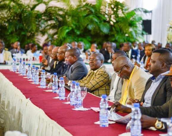Les partenaires sociaux au dialogue convoqué par le Premier ministre