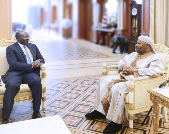 Henri-Claude Oyima reçu par le président Ali Bongo Ondimba