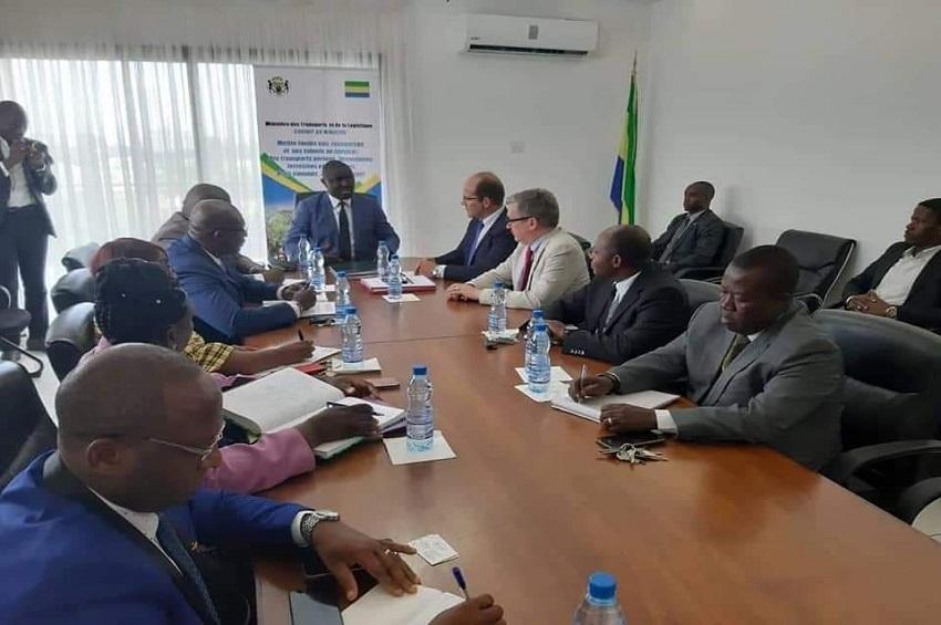 Justin Ndoundangoye et la délégation de vision