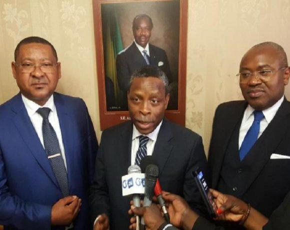Le chef de la mission du FMI entourés des ministres financiers du Gabon