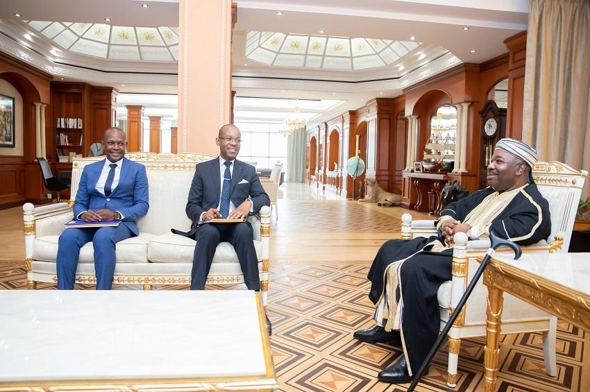 Le président Ali Bongo Ondimba et les deux Ambassadeurs gabonais