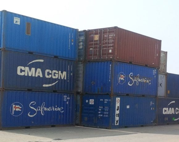 Les conteneurs au port