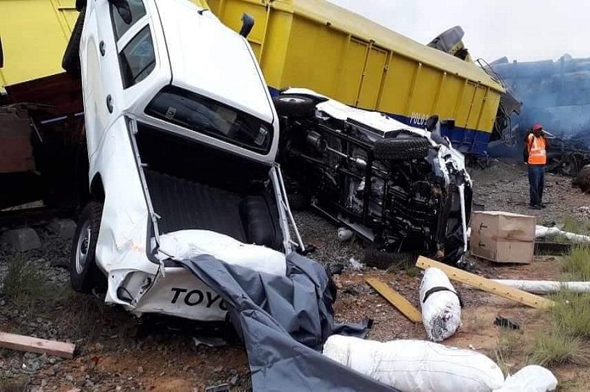 Les dégâts causés par la collision de deux trains