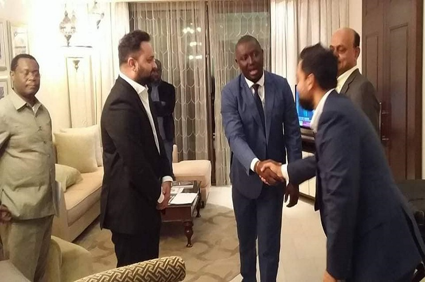 Visite du ministre gabonais des transports à Abu Dabi