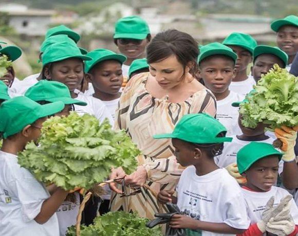 Sylvia Bongo Ondimba et les enfants à la deuxième édition des vacances agricoles