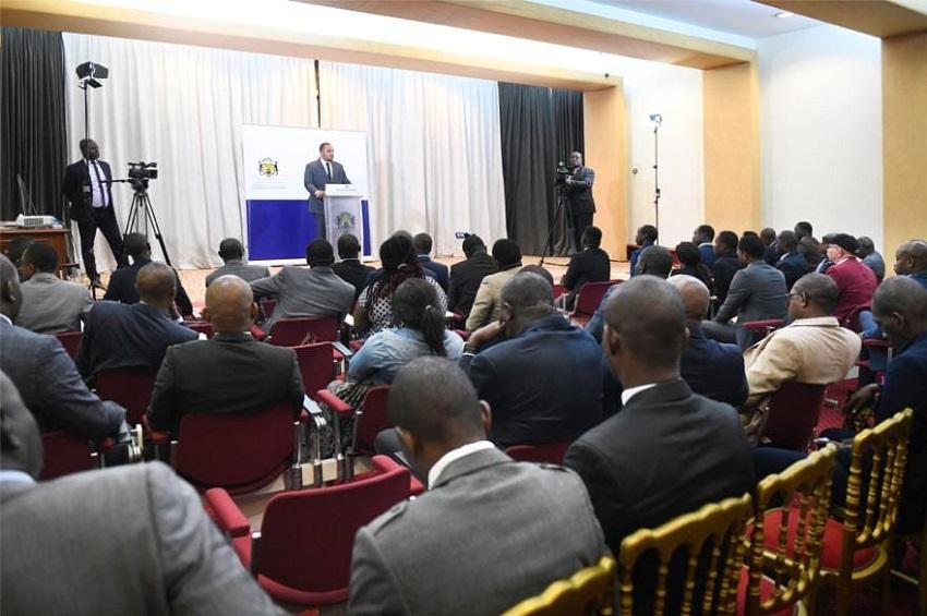 Jessye Ella Ekogha a animé une conférence de presse vendredi, conforment aux missions qui lui sont confiées. Cet échange avec la presse, premier du genre, a permis au nouveau porte-parole de la Présidence de la République de passer en revue l'actualité brûlante du moment.